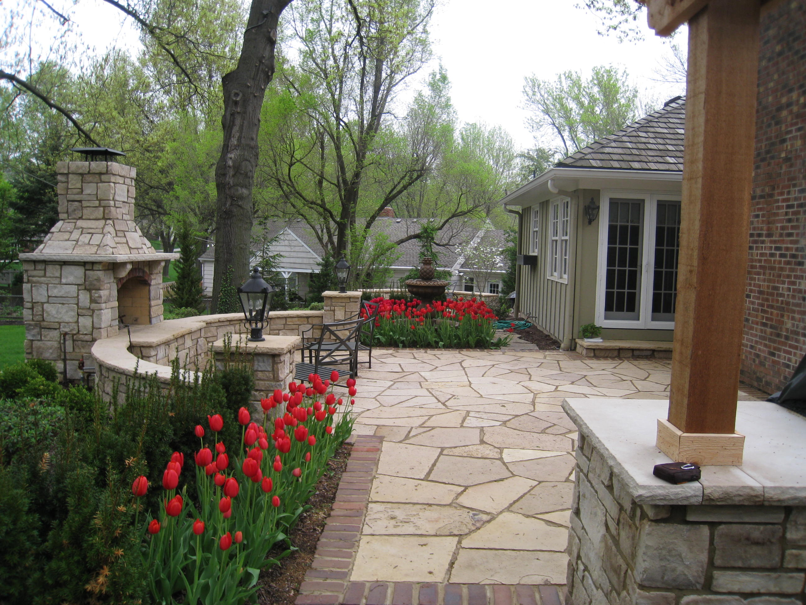 breathtaking walkway patio designs rosehill gardens kansas city. Black Bedroom Furniture Sets. Home Design Ideas